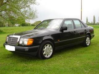 Mercedes-Benz 260 E (1986)