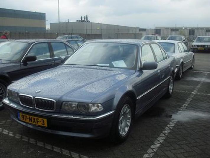 BMW 735i Executive (2000) #2
