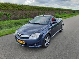 Opel Tigra TwinTop 1.4 Sport (2007)