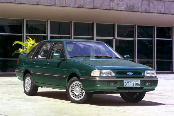 De Tweeling: Volkswagen Santana - Ford Versailles