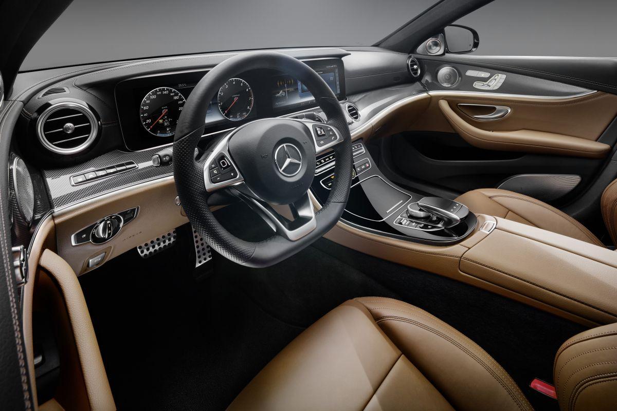 Mercedes toont interieur nieuwe e klasse autonieuws Interieur mercedes