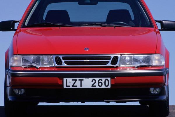 Facelift Friday: Saab 9000