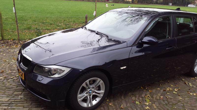 BMW 318i Touring High Executive (2008)