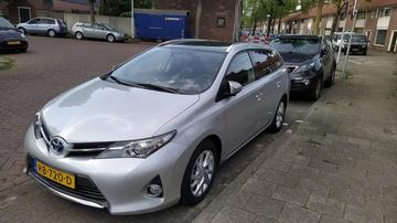 Toyota Auris Touring Sports 1.8 Hybrid Executive (2014)