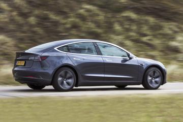 'Veel meer schadegevallen bij elektrische auto's'