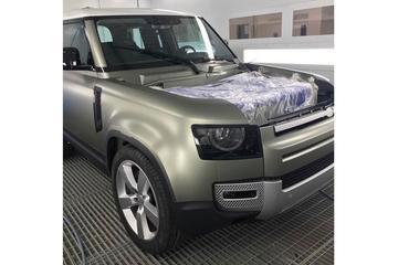 Land Rover Defender weer in beeld