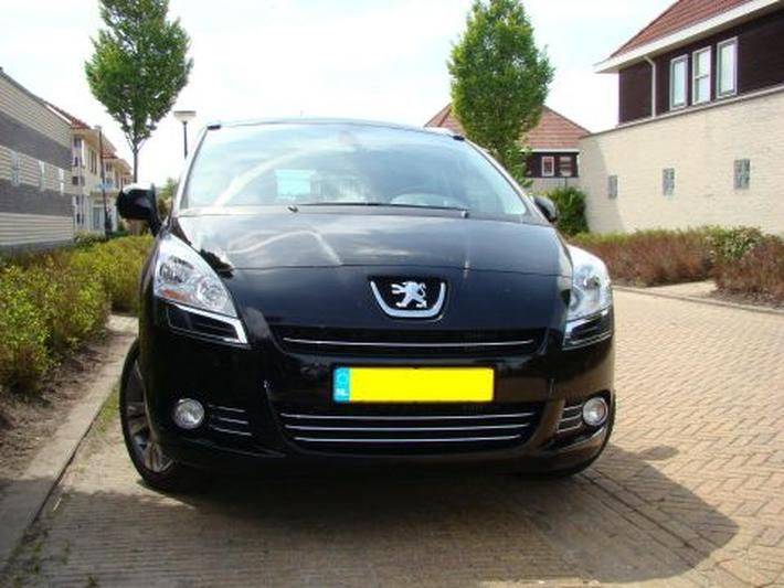 Peugeot 5008 Blue Lease Executive 2.0 HDiF (2010)