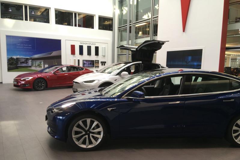 Tesla dealer showroom