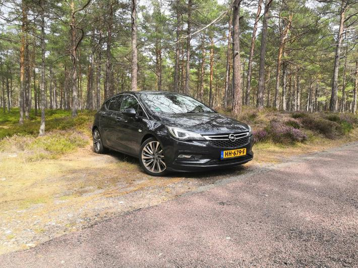 Opel Astra 1.4 Turbo Innovation (2015)
