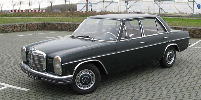 Mercedes-Benz 220D (1972) #2