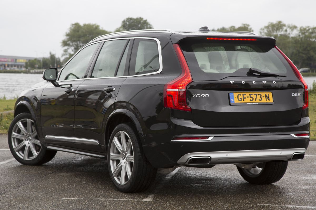 volvo xc90 d5 awd inscription 2015 autotest. Black Bedroom Furniture Sets. Home Design Ideas