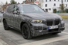 Nieuwe BMW X5 in strak camouflagepak