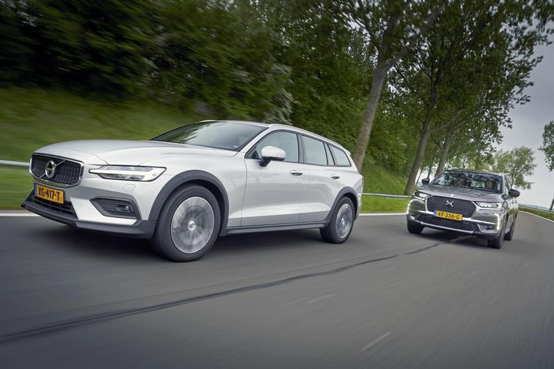 Volvo V60 Cross Country vs. DS 7 Crossback - Dubbeltest