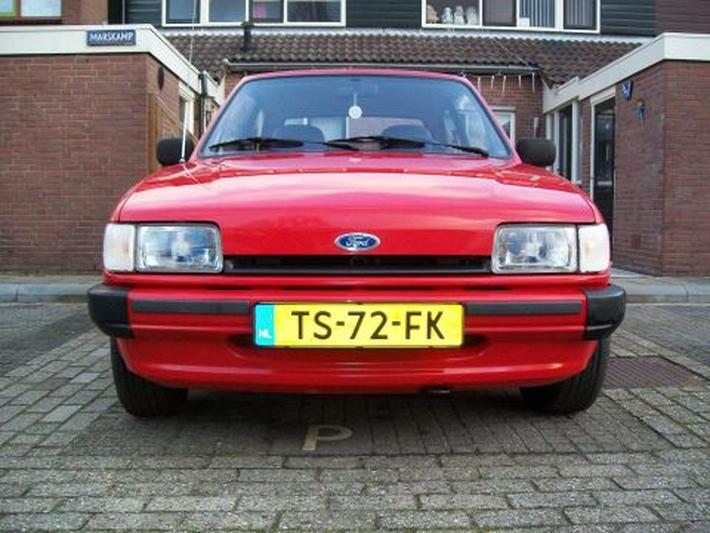 Ford Fiesta 1.1i 3-deurs hatchback (1988)