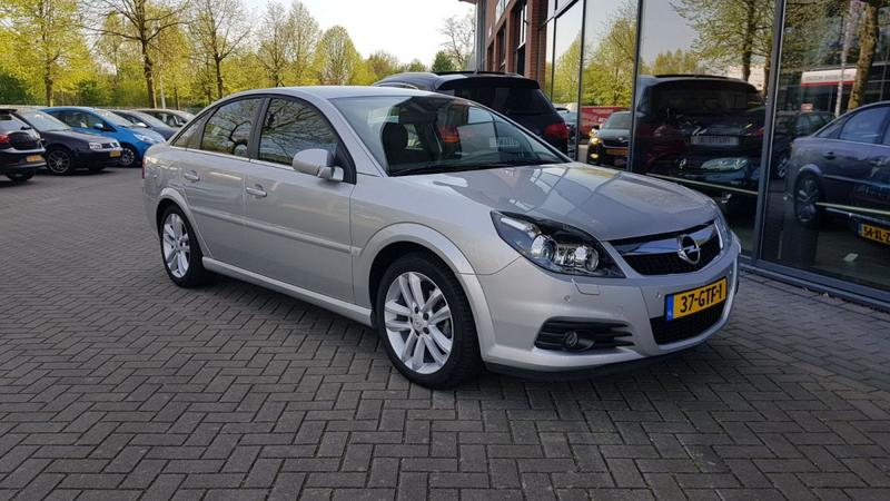 Opel Vectra GTS 2.2-16V DGi Temptation Excellence (2008)