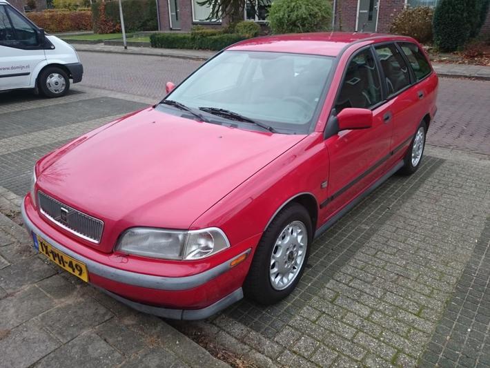 Volvo V40 1.8 (1998)