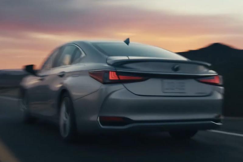 Lexus ES facelift teaser