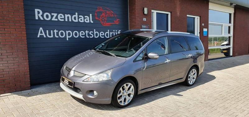 Mitsubishi Grandis 2.4 Insport (2007)