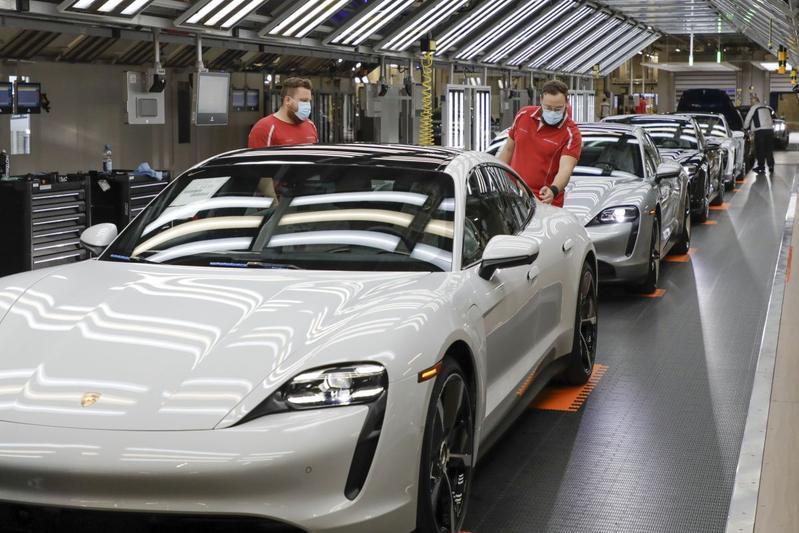 Porsche productie Taycan Zuffenhausen