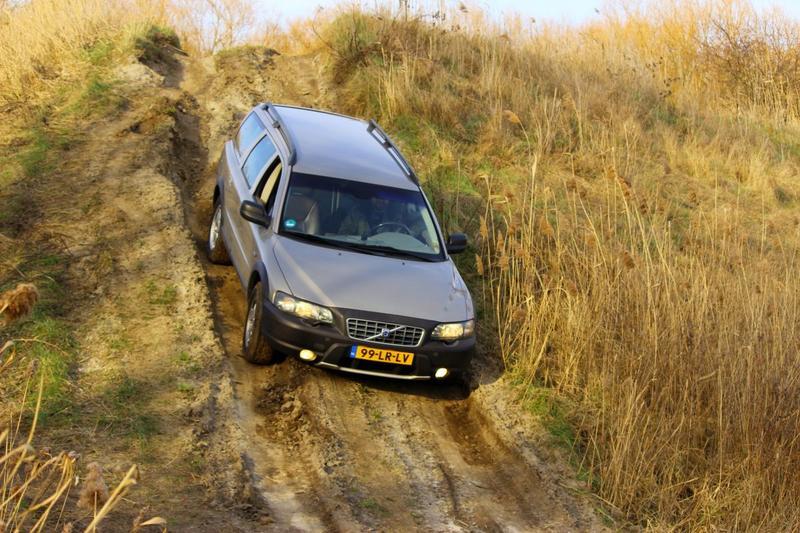 Volvo XC70 2.5 T AWD (2003)