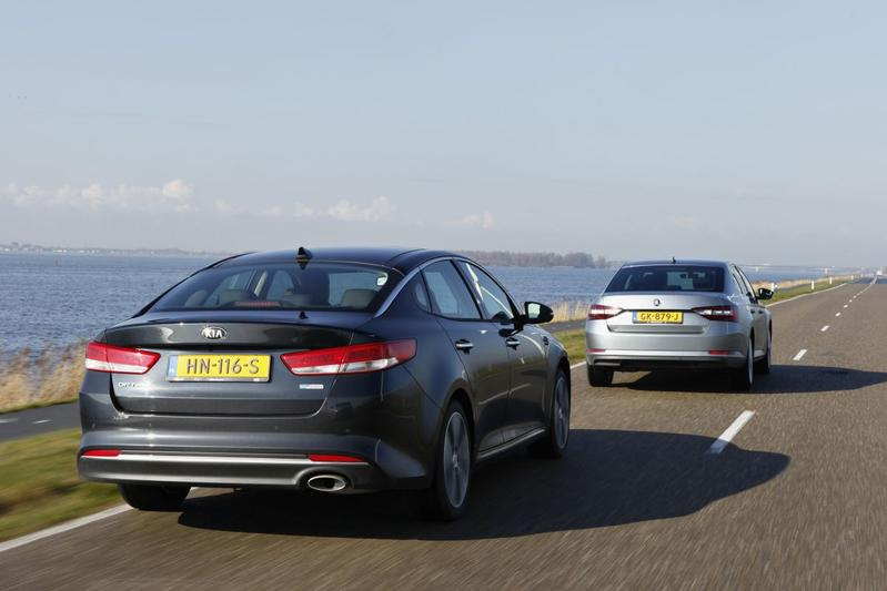 Dubbeltest - Kia Optima 1.7 CRDi vs. Skoda Superb 2.0 TDI