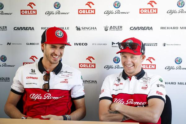 Kimi Räikkönen verlengt contract bij Alfa Romeo