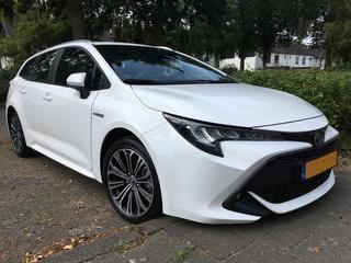 Toyota Corolla Touring Sports 1.8 Hybrid First Edition (2019)
