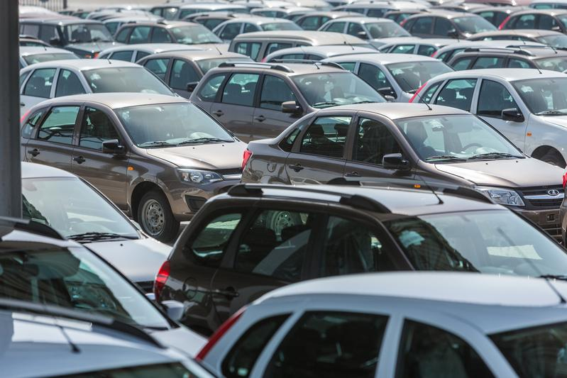 Russische automarkt zakt verder weg