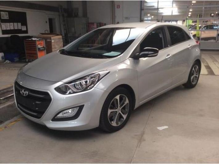 Hyundai  (2015)