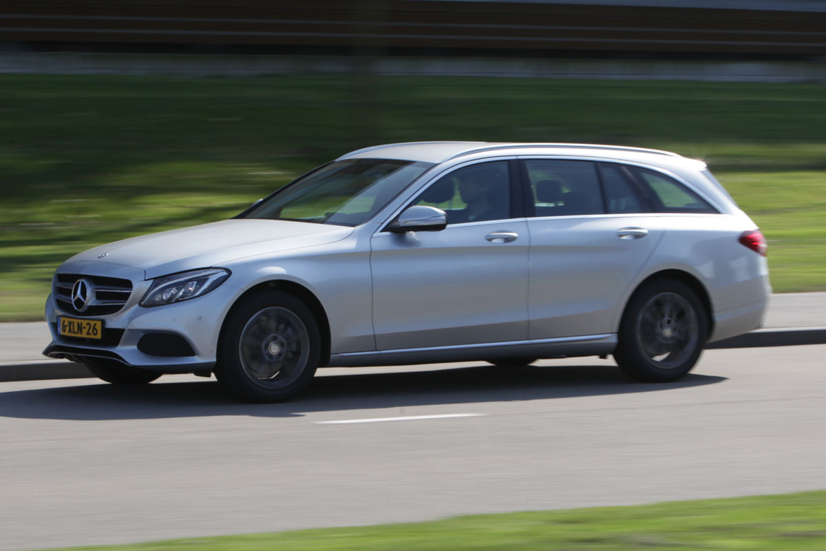 mercedes benz c 220 bluetec estate 2014 autotest. Black Bedroom Furniture Sets. Home Design Ideas