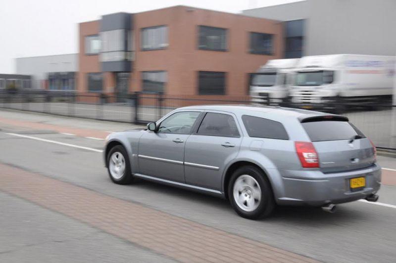 Dodge Magnum  3.5 V6 (2006)
