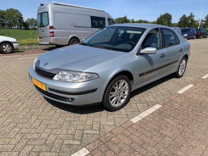 Renault Laguna 1.6 16V Authentique (2001)
