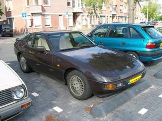 Porsche 924 (1982)
