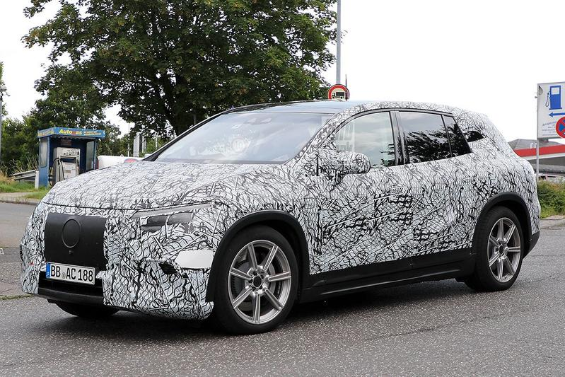 Spyshots Mercedes-Benz EQS SUV