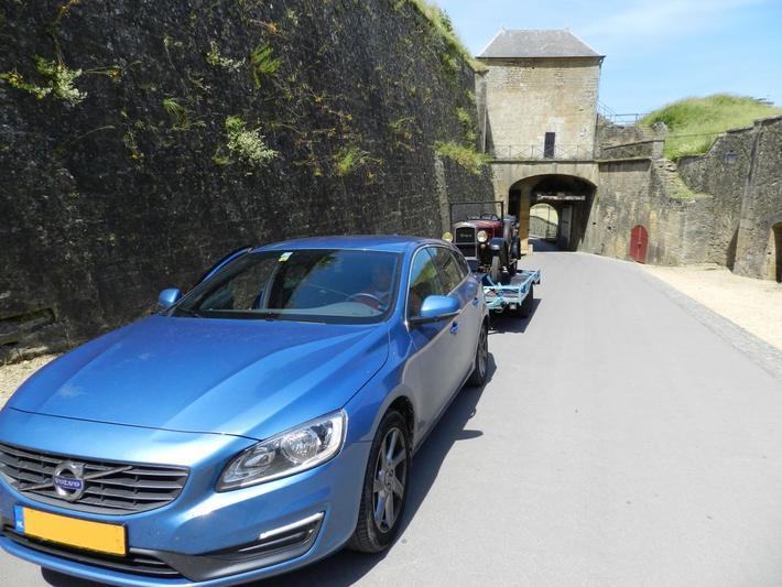 Volvo V60 D4 Momentum (2015) #2