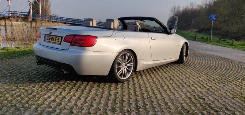BMW 335i Cabrio High Executive (2011)