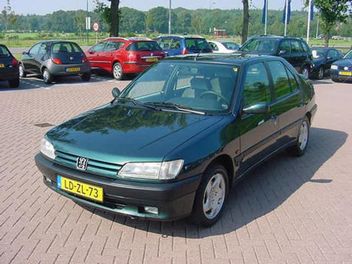 Peugeot 306 ST 2.0i (1995)