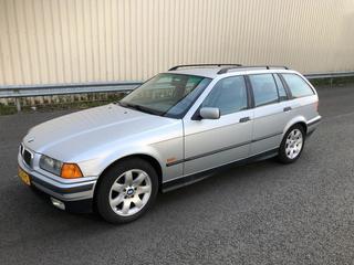 BMW 328i touring Executive (1997)