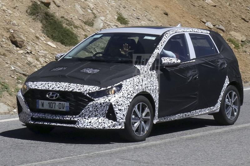 Hyundai i20 spyshots