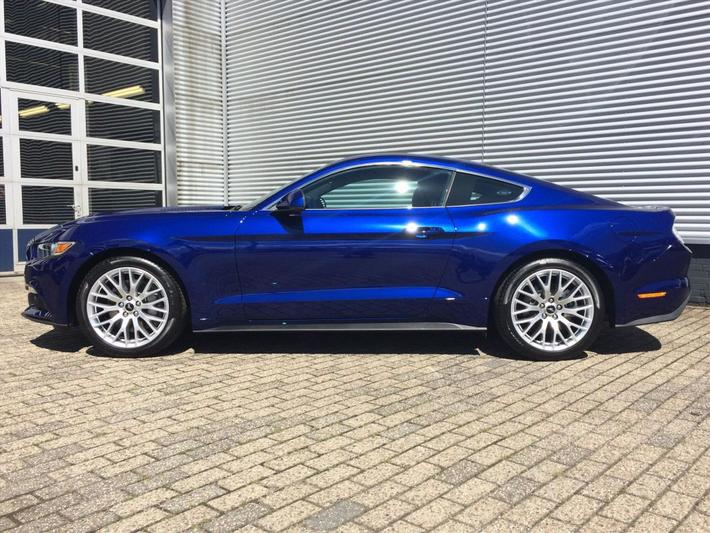 Ford Mustang Fastback 2.3 EcoBoost (2016)