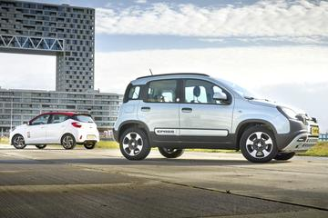 Fiat Panda Hybrid - Hyundai i10 - Dubbeltest