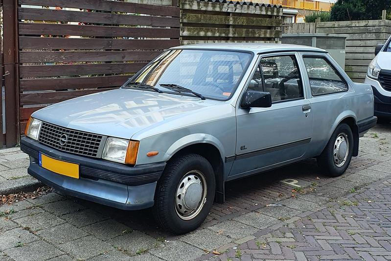 In het wild - Opel Corsa 1986