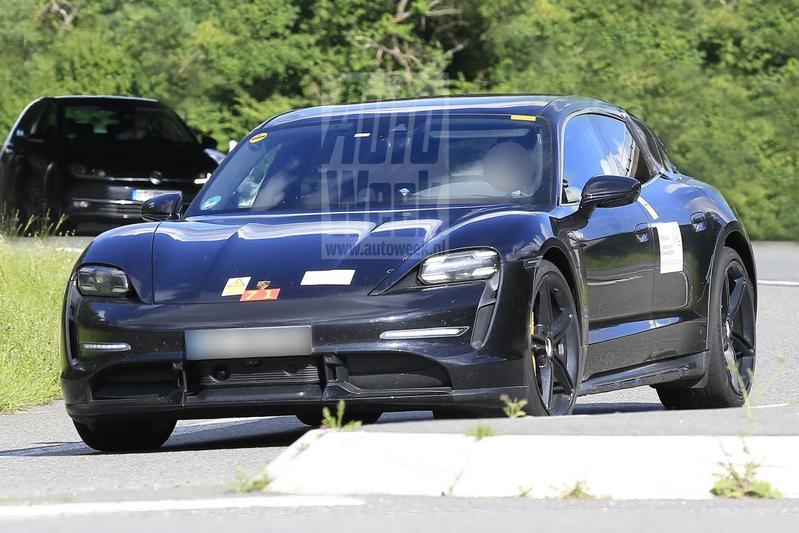 Porsche Taycan Cross Turismo spionage