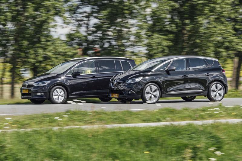 Renault Scénic (2017) – Volkswagen Touran (2015) - Occasiondubbeltest