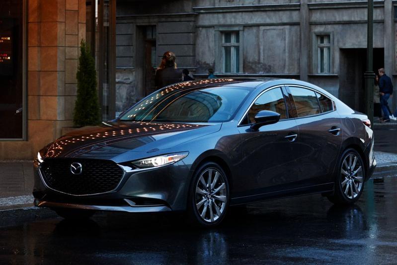 Mazda 3 Sedan e-SkyActiv 2.0 186 Luxury (2021)