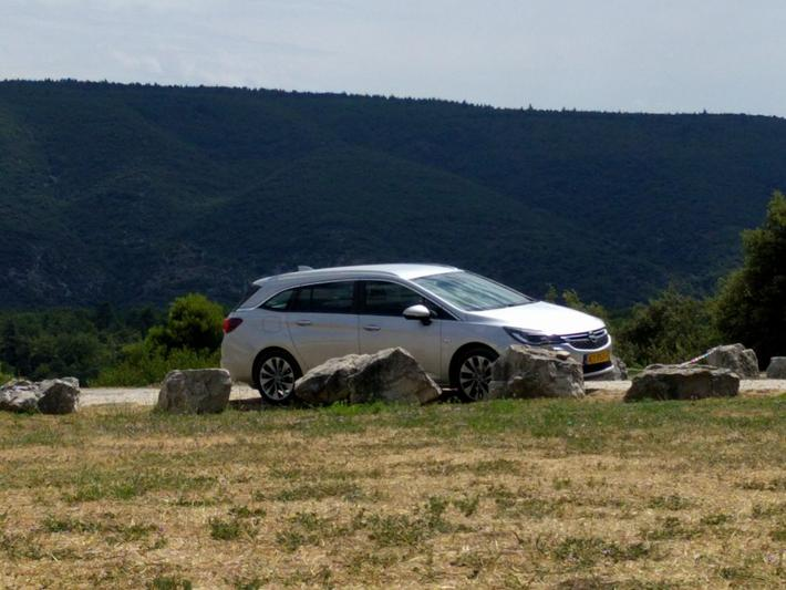 Opel Astra Sports Tourer 1.0 Turbo Business+ (2016)