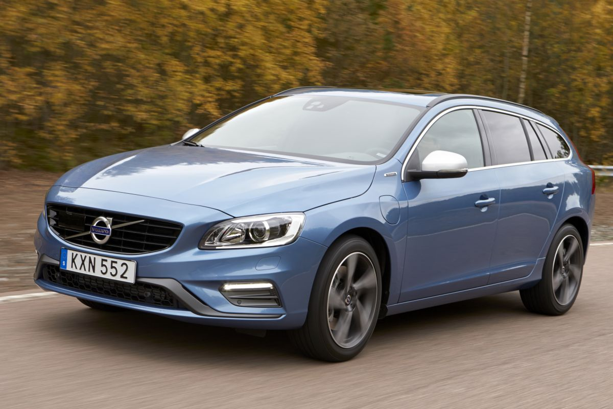 volvo v60 d5 twin engine eerste rijtest. Black Bedroom Furniture Sets. Home Design Ideas