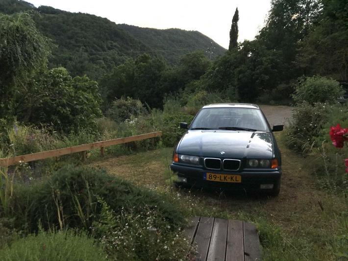 BMW 320i (1995) #2