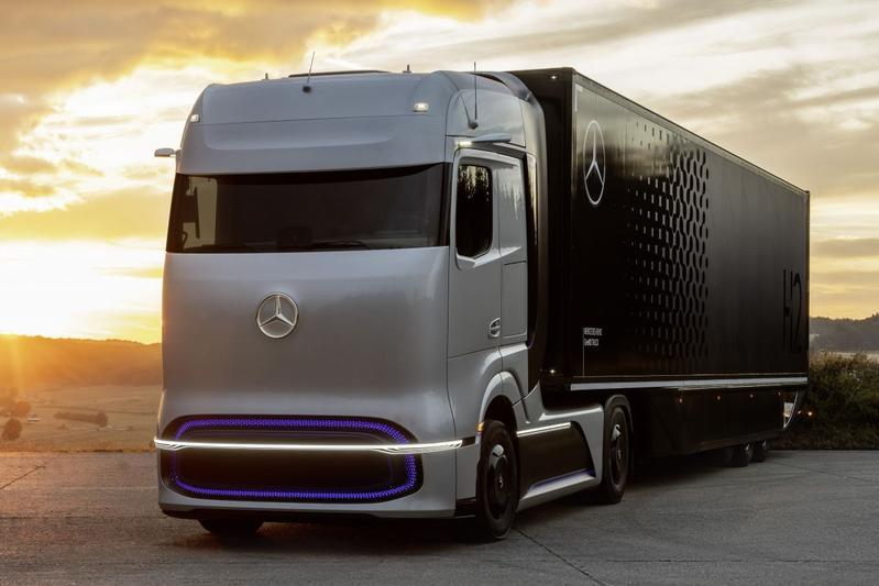 Mercedes-Benz Daimler GenH2 Truck en eActros