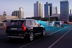 Volvo XC90 Queue Assist
